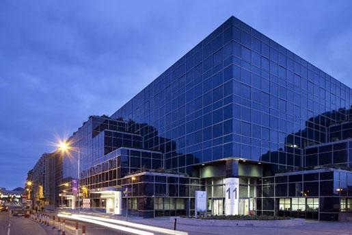 Patrizia приобретает офисный комплекс Apex House в Великобритании