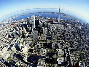 Qatar Airways начинает полеты в Канаду