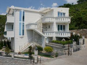 Вложения в недвижимость Черногории: выбор ведущих игроков